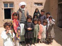 Okolice Heratu, starzec z wnukami